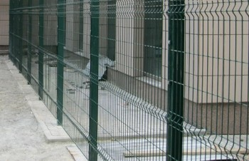 Забор из сетки - ограждение дома