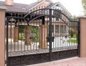 Основные виды распашных ворот